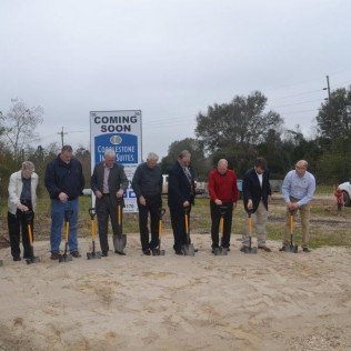 Cobblestone Inn & Suites Groundbreaking in Vinton, LA