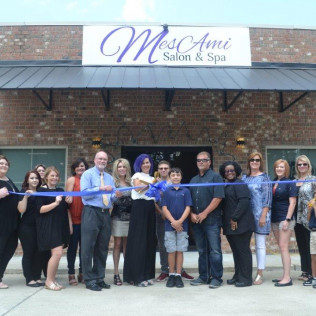 Mes Ami Salon & Spa Ribbon Cutting